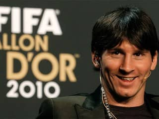 Лионель Месси - обладатель Золотого мяча 2010