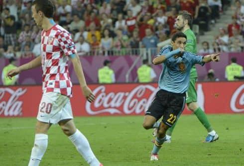 Сборная Италии одержала уверенную победу над Ирландией и вышла в четвертьфинал Евро-2012