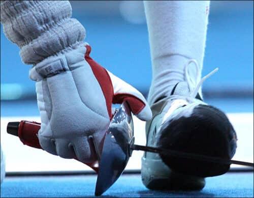 Женские соревнования по фехтованию омрачены громким скандалом