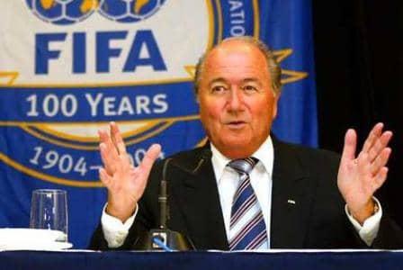 ФИФА продолжит расследование коррупции